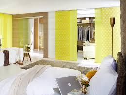 Schiebevorhange Wohnzimmer Modern Jaloucity Stilvoller Sichtschutz Im Schlafzimmer