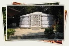 tende yurta villaggio amico albacentroinfinito