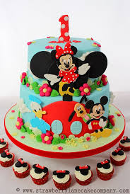 mickey mouse clubhouse birthday cake disney mickey mouse clubhouse cake and cupcakes disney every day