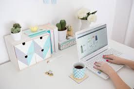 rangement bureau transformez ce rangement ikea pour embellir votre bureau