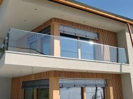glas f r balkon die besten 25 balkongeländer glas ideen auf geländer