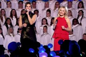 kristen bell sister frozen stars kristen bell idina menzel perform song from olaf u0027s