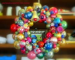 how to make a ornament wreath