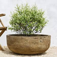 modern outdoor flower pots and planters