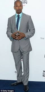 what color shirt with light grey suit dark grey suit light blue shirt