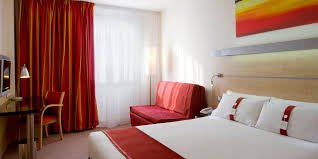 Barcelona Bedroom Set Value City Holiday Inn Express Barcelona City 22 Hotel By Ihg