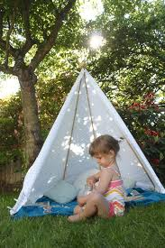 Tent In Backyard by Super Simple 5 Minute Backyard Teepee Mama Papa Bubba