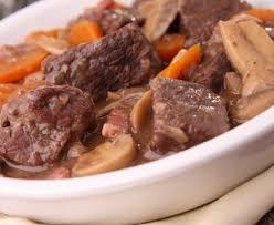 comment cuisiner basse cote boeuf mijoté façon bourguignon recette de boeuf mijoté façon