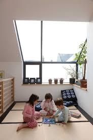 Japanese Themed Bedroom Ideas by Japanese Platform Bedroom Sets Mika Kiku And Kazma Play In The