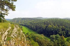 nature et d ouverte si e social un jour au domaine des grottes de han travelbird