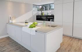 kche wei mit holzarbeitsplatte arbeitsplatte küche weiß arbeitsplatten kuche weis