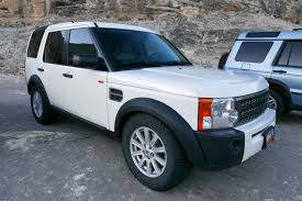 land rover discovery off road tires evolution of the land rover discovery autotrader ca