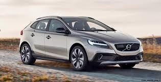 volvo vans 2017 volvo v40 and v40 cross country facelift revealed