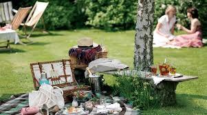 Backyard Picnic Games - 3 picnic recipes and 3 picnic games ask granny