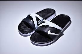 kd slides stylish nike solarsoft kd slides 2 black white 704812 011 women s