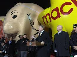 things to do on thanksgiving day in nyc new york city braces for thanksgiving parade u2014on top of donald
