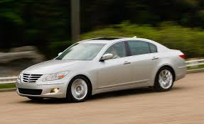 hyundai genesis sedan 2009 2009 hyundai genesis sedan pictures photo gallery car and driver