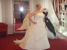 essayage robe de mari e un essayage de la robe de mariée de ma soeur mon univers