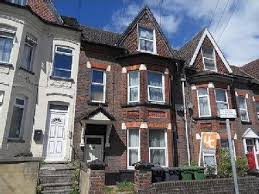 Flats For Rent In Luton 1 Bedroom Bury Park Road Lu1 Luton Property Homes To Rent In Bury Park