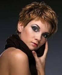 modele coupe de cheveux court femme 50 ans style vestimentaire pour femme de 50 ans modele de coiffure