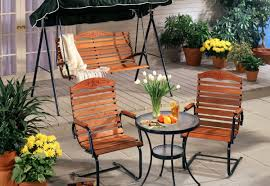 Hanging Plants For Patio Spruce Up Your Backyard Patio U0026 Outdoor Spaces For Summer
