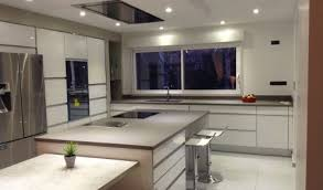 cuisine blanche avec ilot central cuisine aménagée réalisations toulouse blagnac
