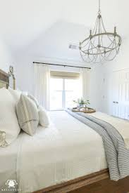 White Master Bedroom Best 25 Master Bedroom Chandelier Ideas On Pinterest Bedroom