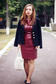 fashion shores blog by victoria burbulea burgundy leather dress