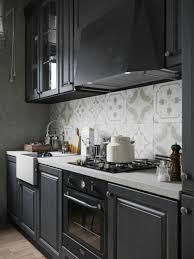 cuisine repeinte en gris cuisine bois repeinte chaios com en noir newsindo co