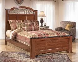 Ashley Furniture Fairbrooks Estate Queen Poster Bed Poster Beds - Ashley furniture louisville ky