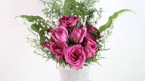 a dozen roses how to arrange a dozen roses in a vase 11 steps with pictures