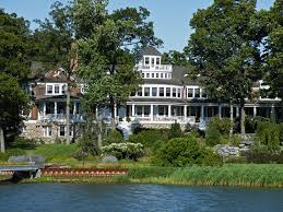 large mansions 51 stunning lake houses famous new old big and cozy