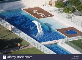 tiger woods house tiger wood s house in jupiter island florida workmen carry out