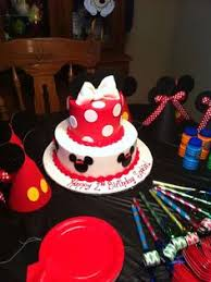 eva u0027s minnie mouse fondant and buttercream birthday cake 3 layers