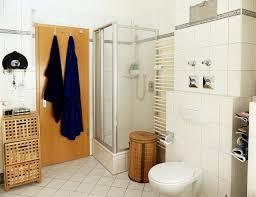 einrichtung badezimmer helles bad mit duschkabine bad badezimmer einrichtung schöne