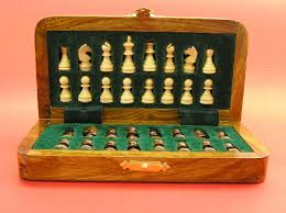 Travel Chess Set images Compact magnetic travel chess set 0 1278 426100 jpg