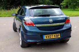 opel omega 2010 vauxhall astra sport hatch review 2005 2010 parkers