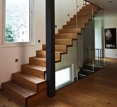 garde corps bois escalier interieur escalier en bois moderne marche et contremarche avec garde corps