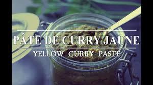 cuisine vegan facile pâte de curry jaune facile easy yellow curry paste vegan