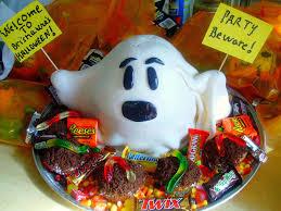 Halloween Ghost Cake by Chica Chocolatina I Ain U0027t Afraid Of No Ghosts Halloween Cake