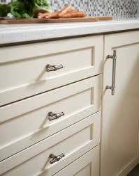 Luxor Cabinets Top Knobs Barrington Collection Edgewater Cabinet Cc Pull In