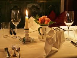 cena al lume di candela bimillenario di ovidio in hotel si comincia con la cena a lume di
