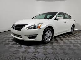 nissan altima white 2010 2010 nissan altima coupe kbb 42 best altima images on pinterest