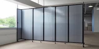 straightwall sliding portable partition polycarbonate plastic