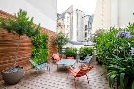 decoration petit jardin petit jardin de ville place à la végétalisation verticale