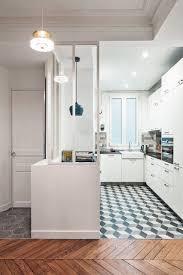 cuisine de charme cuisine blanche verrière et carreaux de ciment pour une cuisine