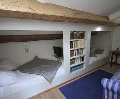 chambre dans les combles ag able amenager une chambre sous les combles d coration dans
