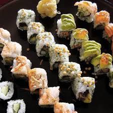 recette cuisine japonaise facile sushi roulé au crabe et avocat grazia