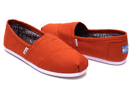 bright orange canvas men u0027s classics toms
