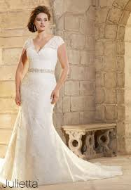 wedding dress for curvy gorgeous plus size wedding dresses thefashionspot